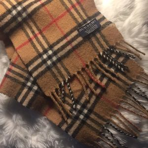 Authentic Burberry  scarf lambswool(vintage)